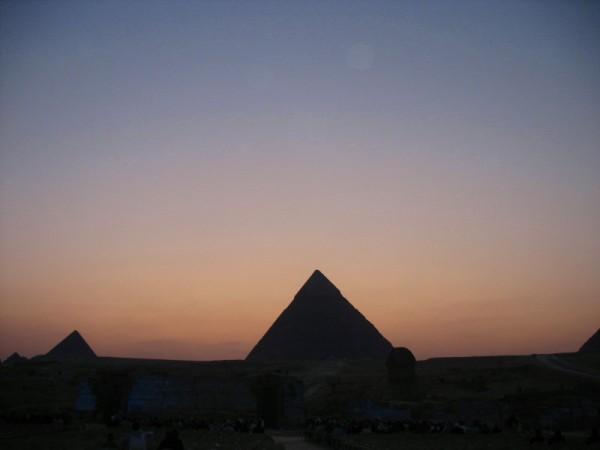 giza-pyramids-2.jpg